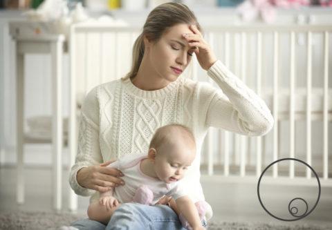 Πονοκέφαλος μετά την εγκυμοσύνη: Αιτίες, διαχείριση και πρόληψη